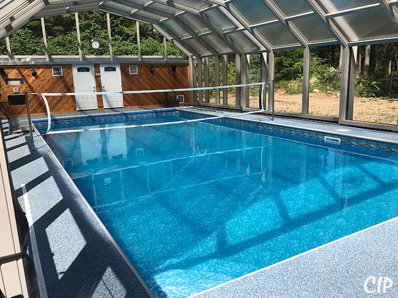 Retractable Pool Enclosure closed for the bugs